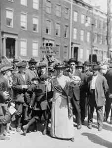 1914 Low Res Mrs. Suffren banner in parade c Everett Histo shutterstock_242816998