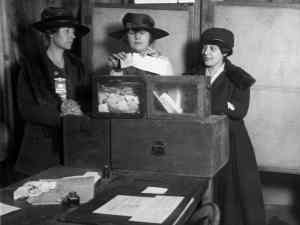 1917 Suffragists voting NYC c Everett shutterstock_242816731