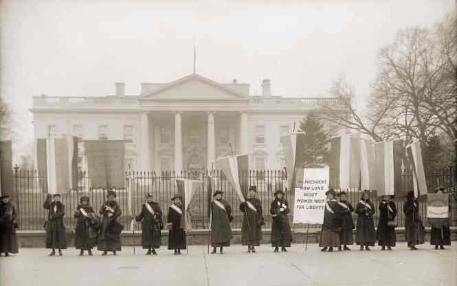 1918 Low Res Nat Women's Party Demonstation Wh House c Everett Hist shutterstock_242816689
